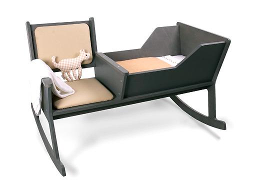 [디자인 가구] 엄마와 아기, 모두 편안한 흔들요람 의자